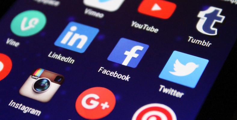 aplikasi media sosial dan chat
