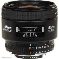 Nikon AF 85mm f / 1.8D