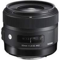 Sigma 30mm f / 1.4 DC HSM