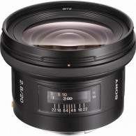 Sony 20mm f / 2.8 Wide-Angle