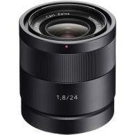 Sony 24mm f / 1.8 Carl Zeiss